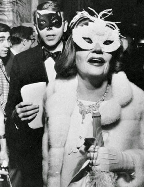 tallulah+bankhead+at+truman+capote+black+and+white+ball+1966